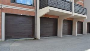 Taloyhtiön nosto-ovet asennetuna avaimet käteen- pakettina Lappeenrannassa.
