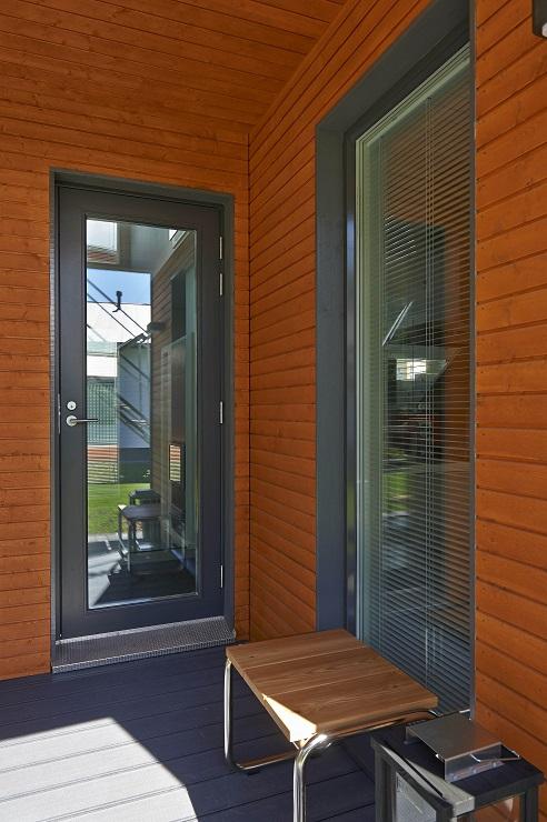 Pihlan tuoteperhe tarjoaa myös parvekkeen ja varaston ovet.