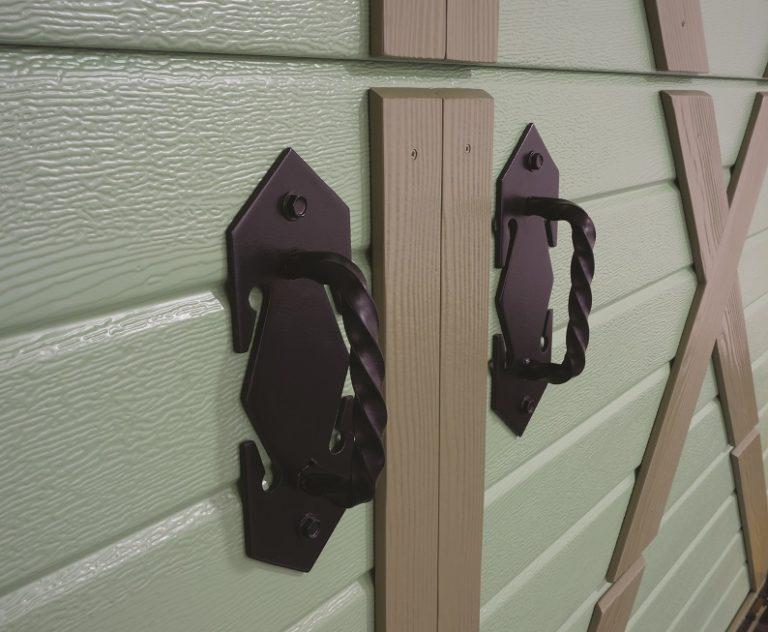 Autotallin oven Retro koristekahvat
