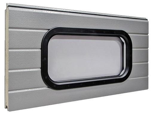 Ovaali-ikkuna tupla-akryylilasilla ja muovikehyksellä. Kehyksen vakioväri on musta, mutta sitä saa myös missä vain RAL-sävyssä.