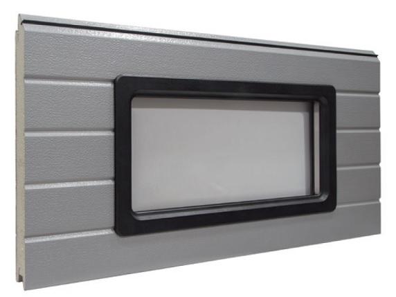 Neliskulmainen ikkuna - Standardi-ikkuna tupla-akryylilasilla ja muovikehyksellä. Kehyksen vakioväri on musta, mutta sitä saa myös missä vain RAL-sävyssä. Muovi kehys 640x336mm