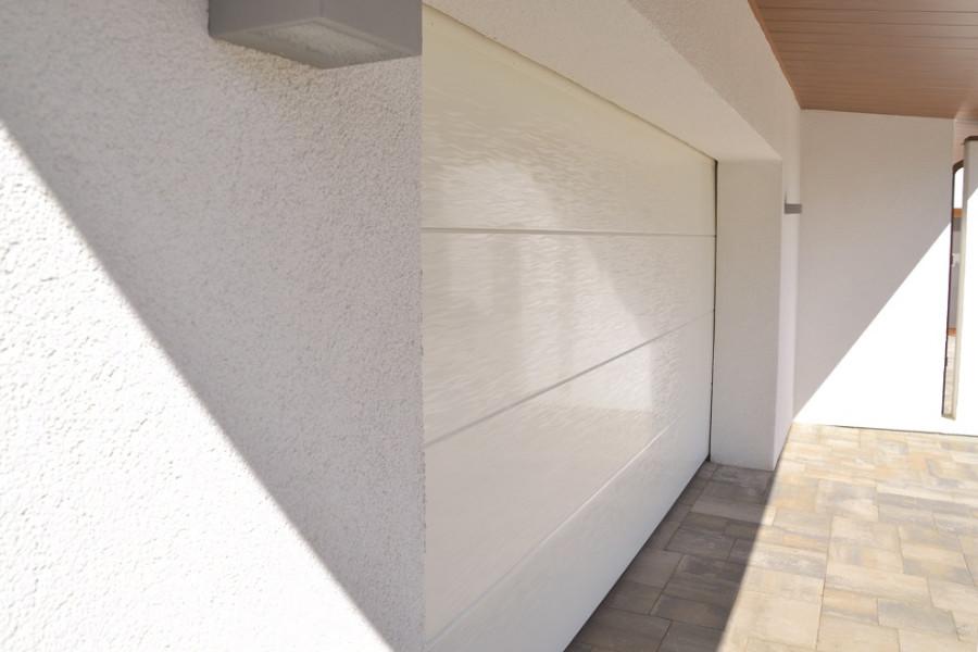 Nosto-ovi 3d pinnalla - valkoinen RAL 9016
