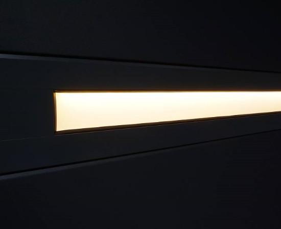 Slimline nosto-ovi LED-valaistuksella - musta