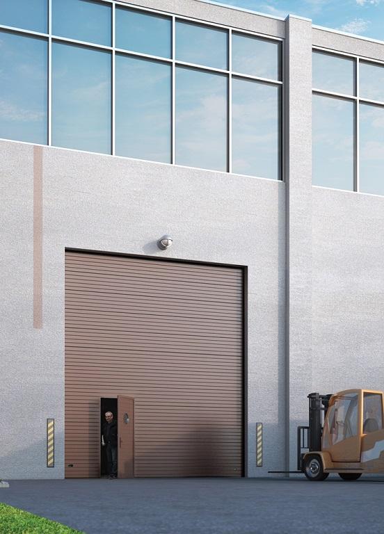 Nosto-oveen integroidulla käyntiovella luot helposti lisäkulkureitin tekemättä muutostöitä rakenteisiin. Ratkaisu parantaa nosto-oven käytännöllisyyttä entisestään pienentäen samalla sen avauksista koituvia lämpöhäviöitä.
