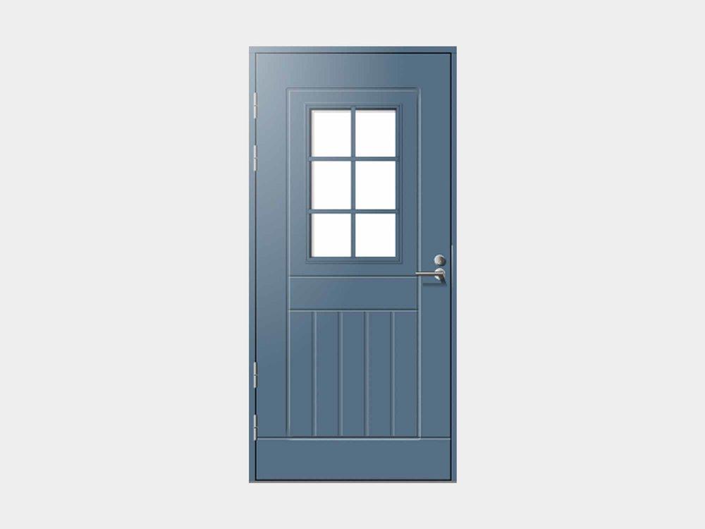 Kuha on linjakas ja tähän päivään tuotu versio perinneovesta, joka monia suomalaisia koteja tyylisuunnasta ja iästä huolimatta koristaa. Kuhan muotokieli on suomalaisille selvästi rakas; tämä ovi kun on yksi kautta aikain myydyimmistä malleistamme.